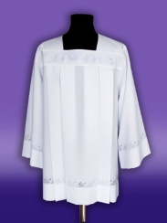 12.1./01/B/S  Surplice with openwork grape pattern